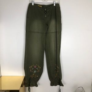 Gasoline Juniors 5 Green Pants Back Zip Tie Bottom